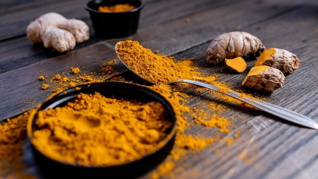 Just like mouthwash, turmeric has natural antiseptic properties that can help with shaving nicks